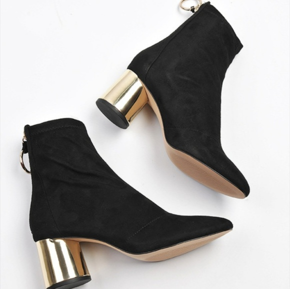 bc9201691150 NWT Zara black fabric   gold heel ankle boots 6.5